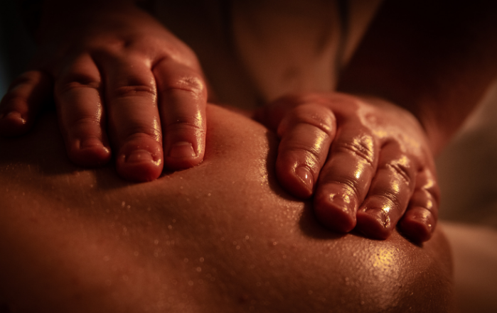 Aromaterapeutická masáž, alma care